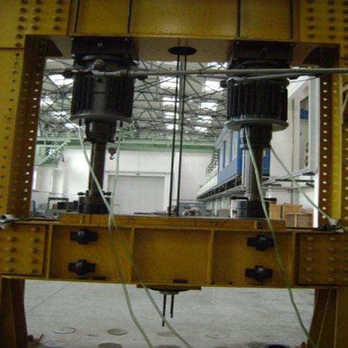 铁路机车车架液压式垂直疲劳加载试验机