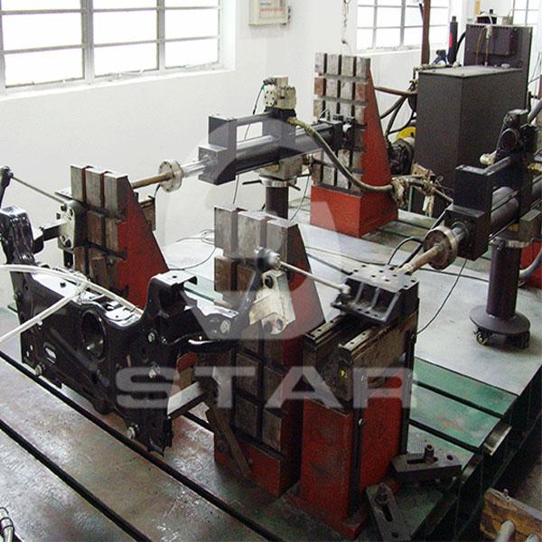 汽车动力转向器/连杆疲劳耐久试验台架
