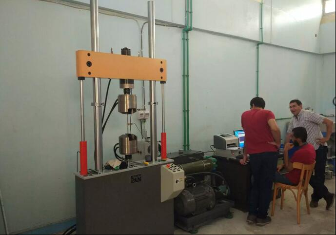 埃及客户-疲劳试验机