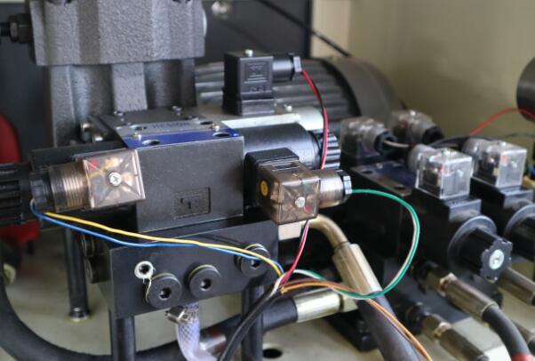 电液伺服万能试验机伺服阀内部结构